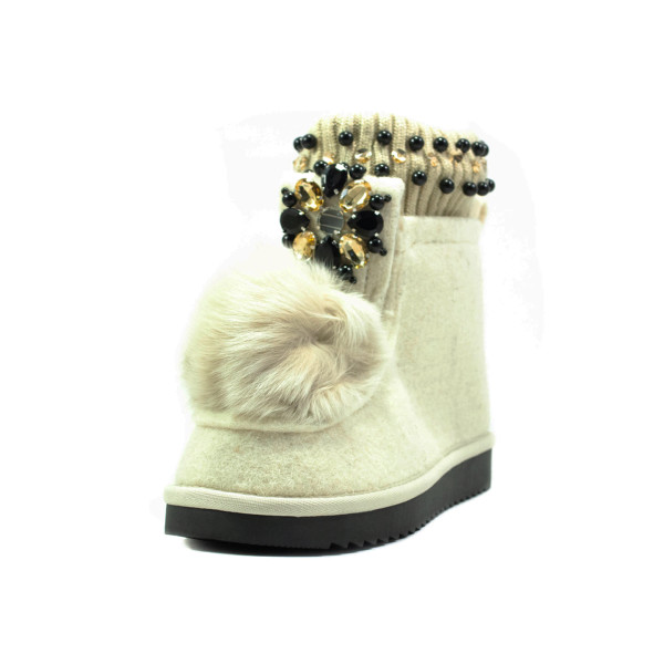 Ботинки зимние женские Lonza E038 белые